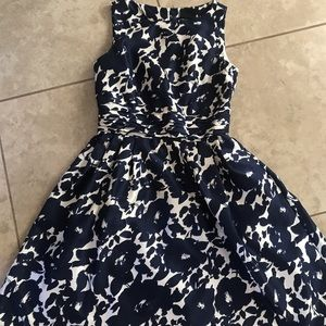 Just Taylor Size 4 cocktail dress